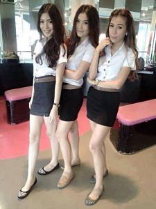 タイ ミニスカート制服